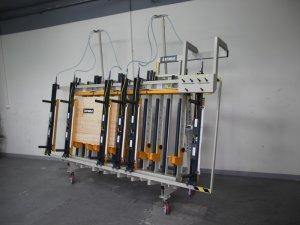 Prasa trapezowa Typ PTJ jednostronna z dociskiem wyrównującym pneumatycznym 2