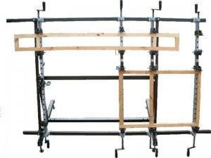 Ściski śrubowe ręczne Typ SR na stojaku obrotowym Typ SO 8